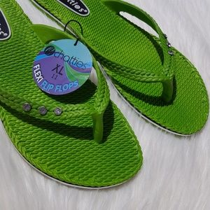 Chatties | NWT Green Flexi Flip Flops XL 11 NEW